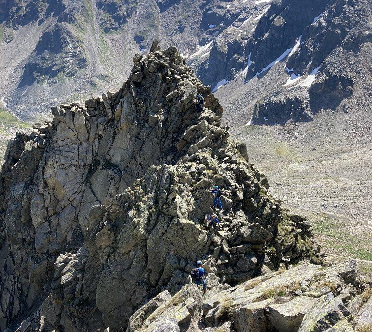 Alpiner Basiskurs 2020– Schlappseil verräumen und Achter-Knoten bis zum Abwinken